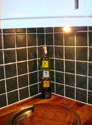Wall tiling and worktop cutting